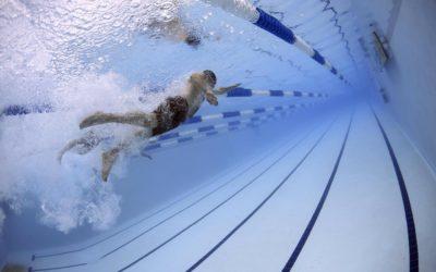 La piscina pulita con la fotocatalisi